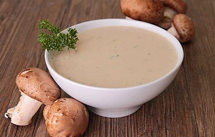 hubová polievka so smotanou